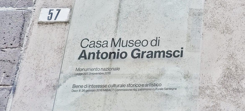 targa_casa_museo_antonio_gramsci